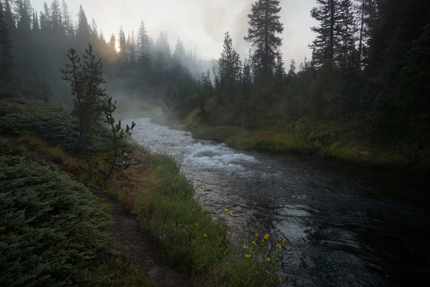 yellowstone hike on the continental divide trail 2018